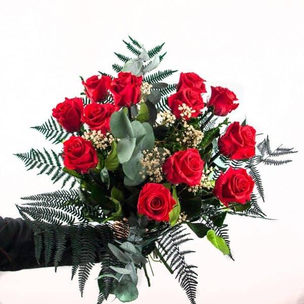Detalle Ramo de 12 rosas preservadas a domicilio en Toledo