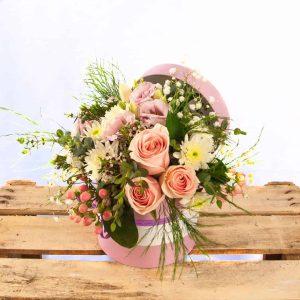 Caja con flores para regalar el día de la madre a domicilio en Toledo