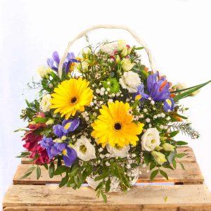 Cesta de flores para el día de la Madre a domicilio en Toledo.