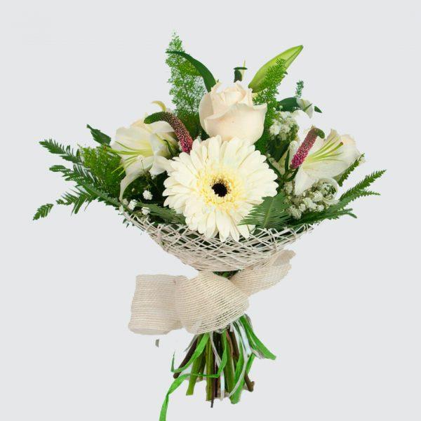 Ramo de flores blanco a domicilio en Toledo